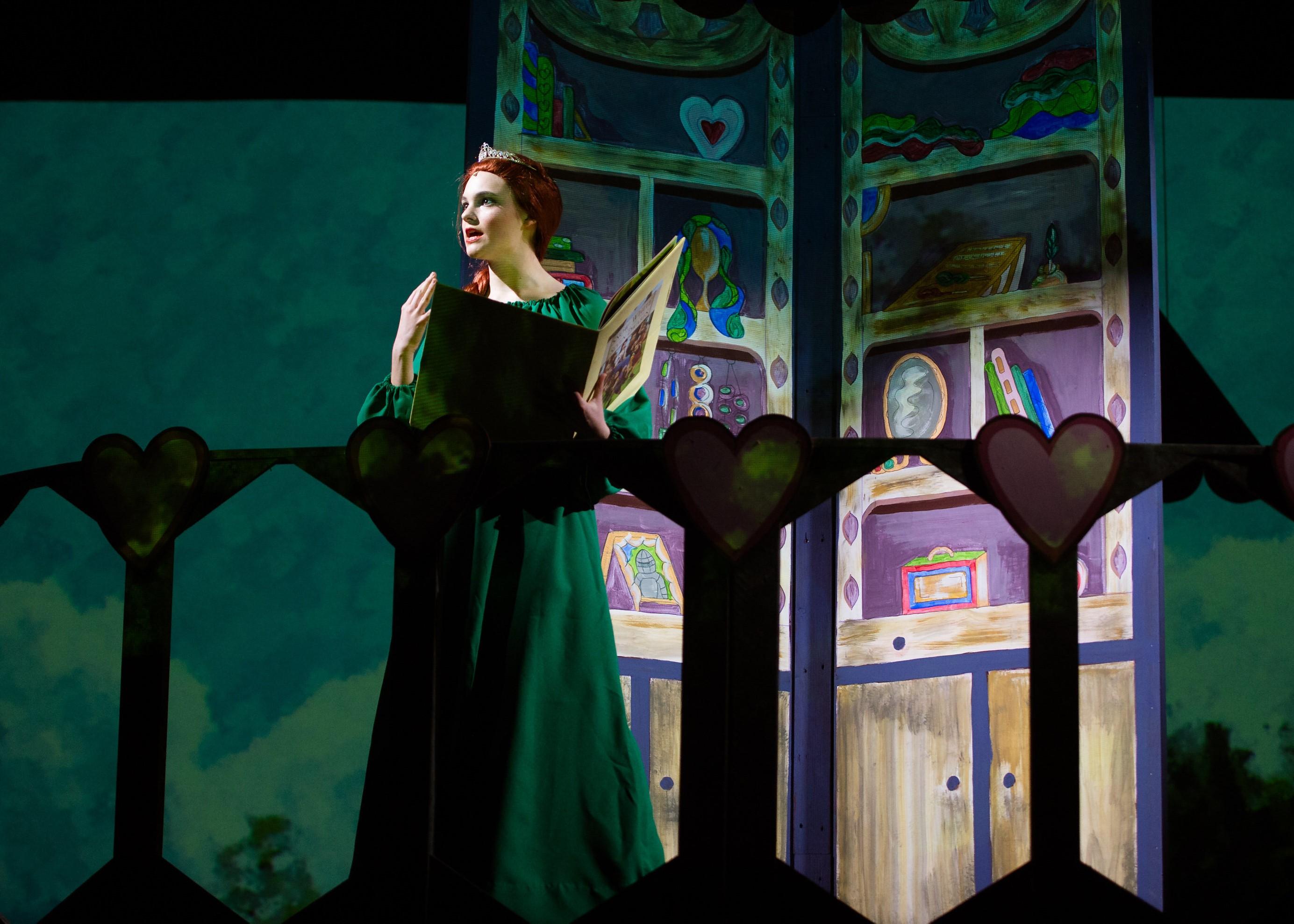 Allie Lytle as Teen Fiona. Photo by Traci J. Brooks Studios.