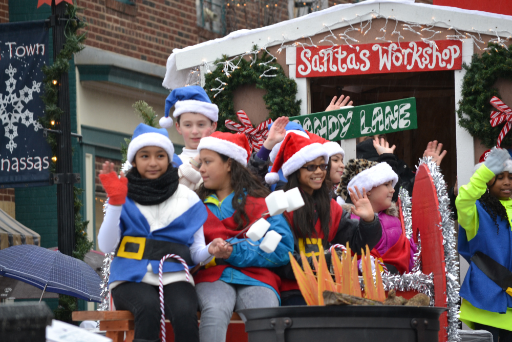 Manassas Park Christmas Parade 2020 Holiday Parades   Fairfax Family Fun