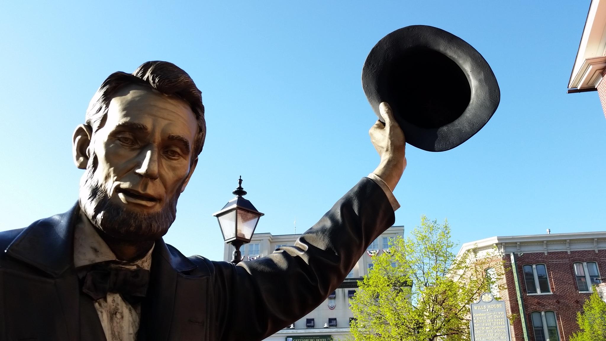 Statue of Abraham Lincoln at Lincoln Square in Gettysburg, Pennsylvania