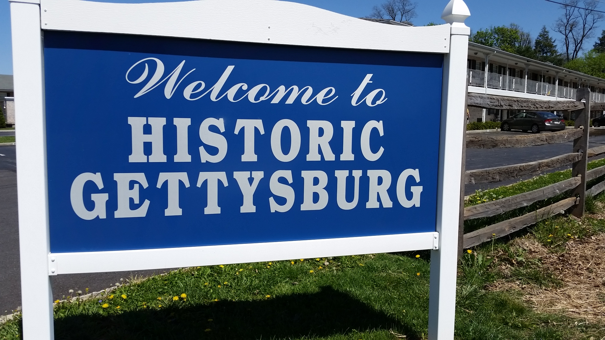 Sign that says Welcome to Historic Gettysburg