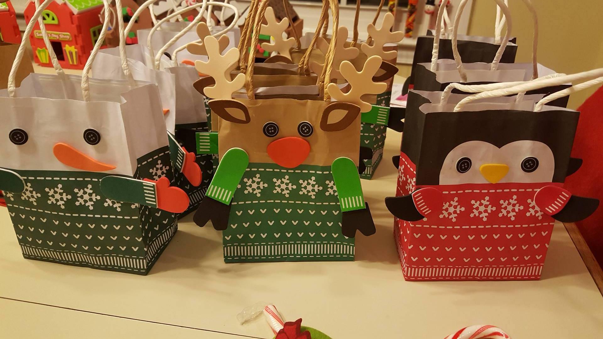 Oriental gift bags