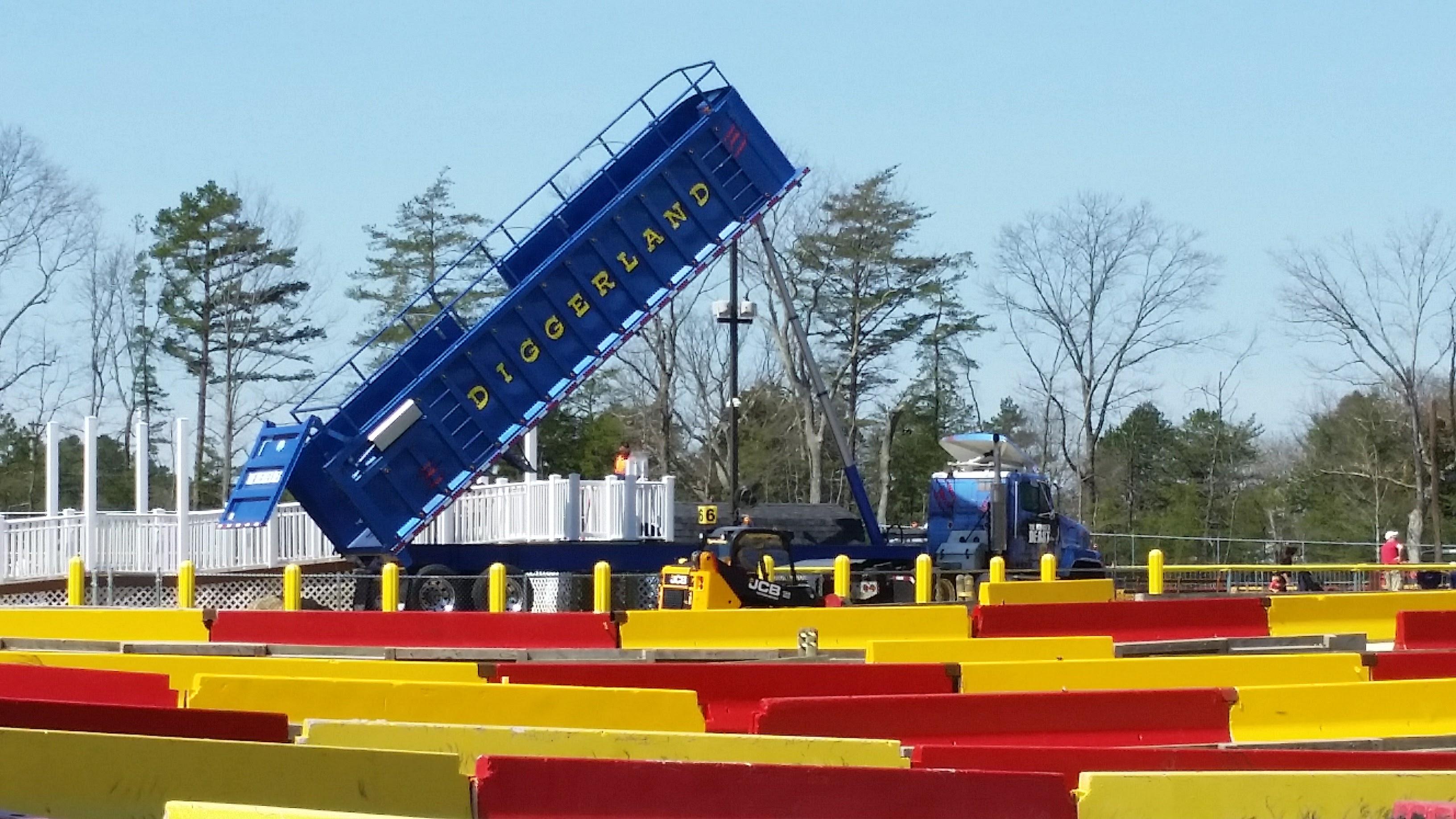 Giant dump truck at Diggerland USA theme park