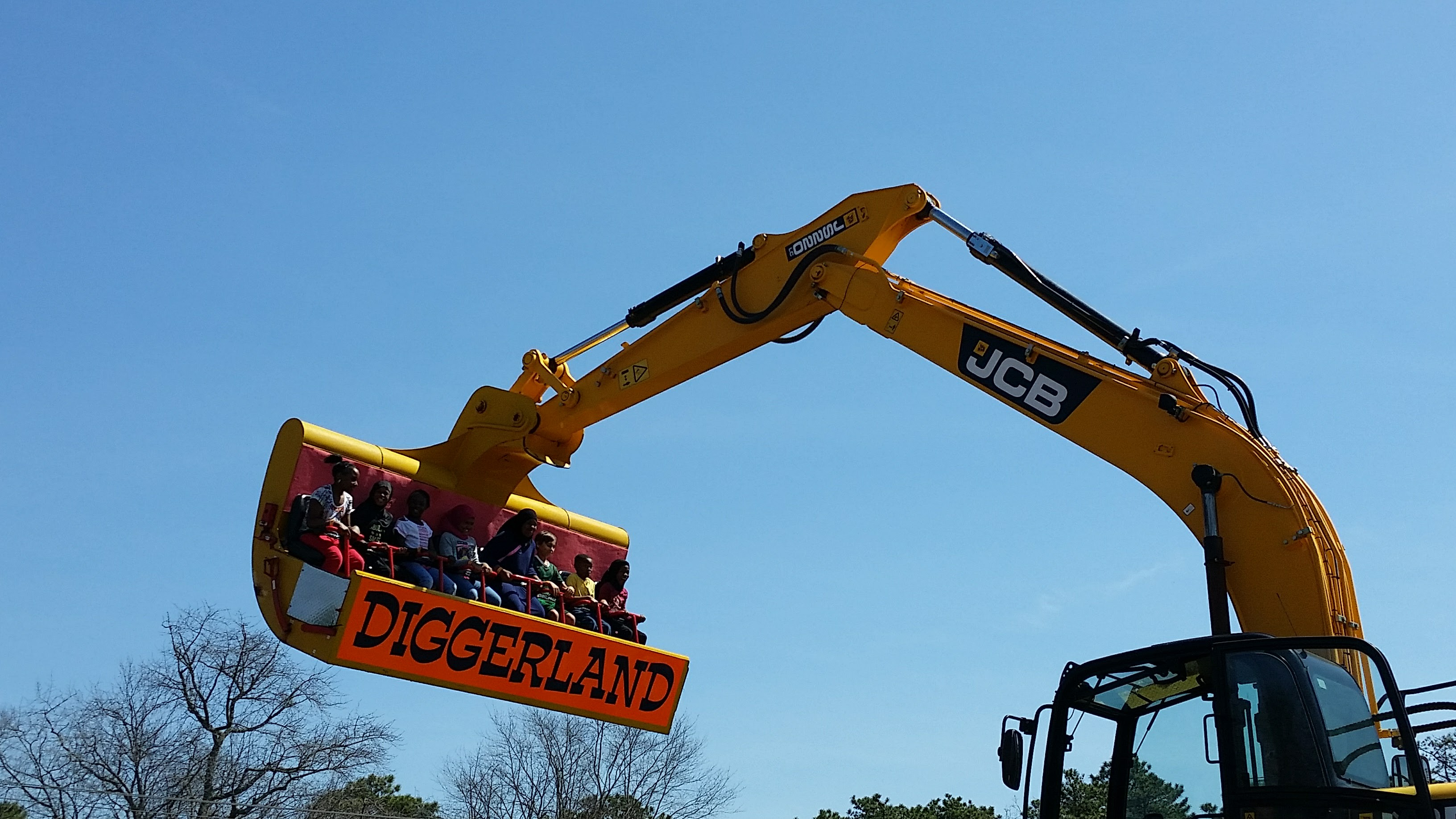 Spin Dizzy ride at Diggerland USA theme park