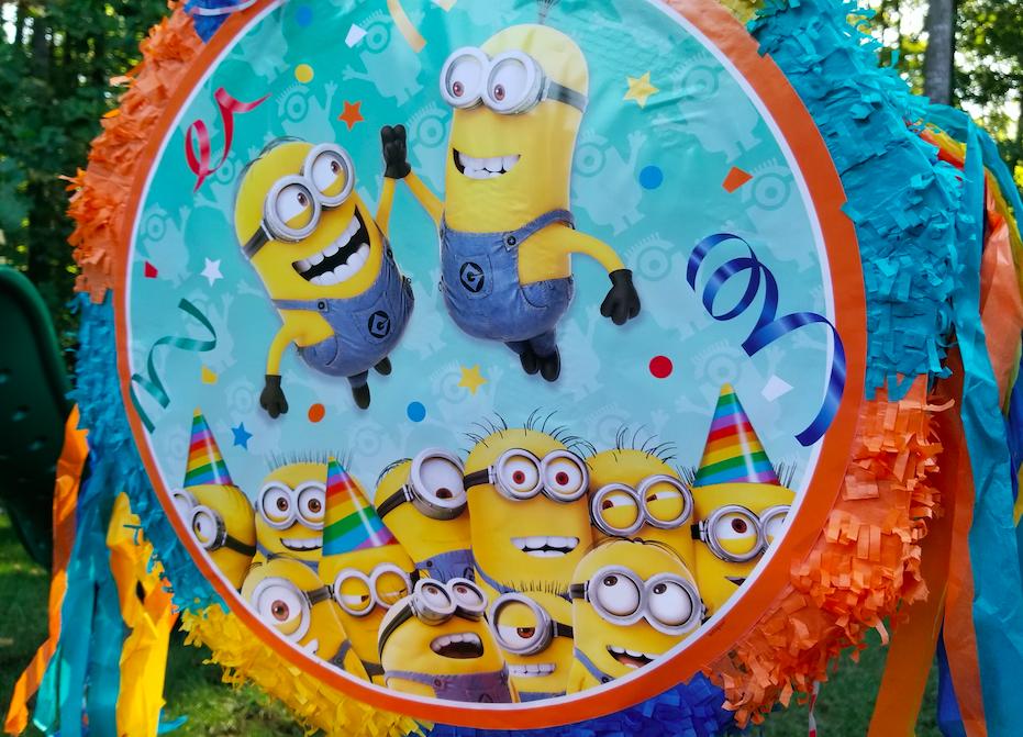 Minions piñata
