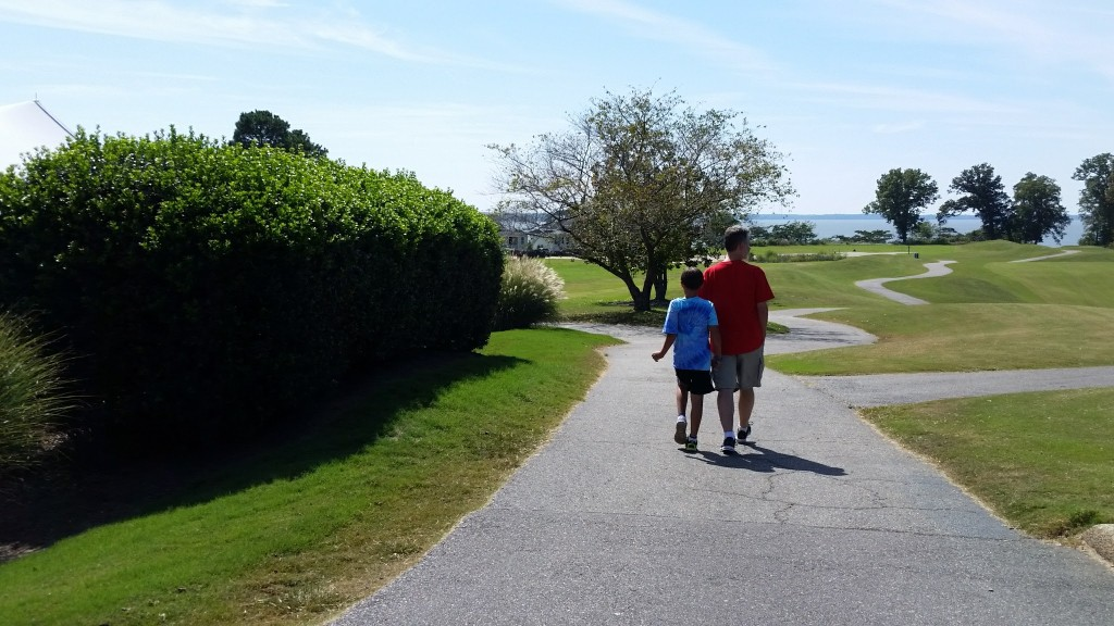 Kingsmill Resort man and son walking