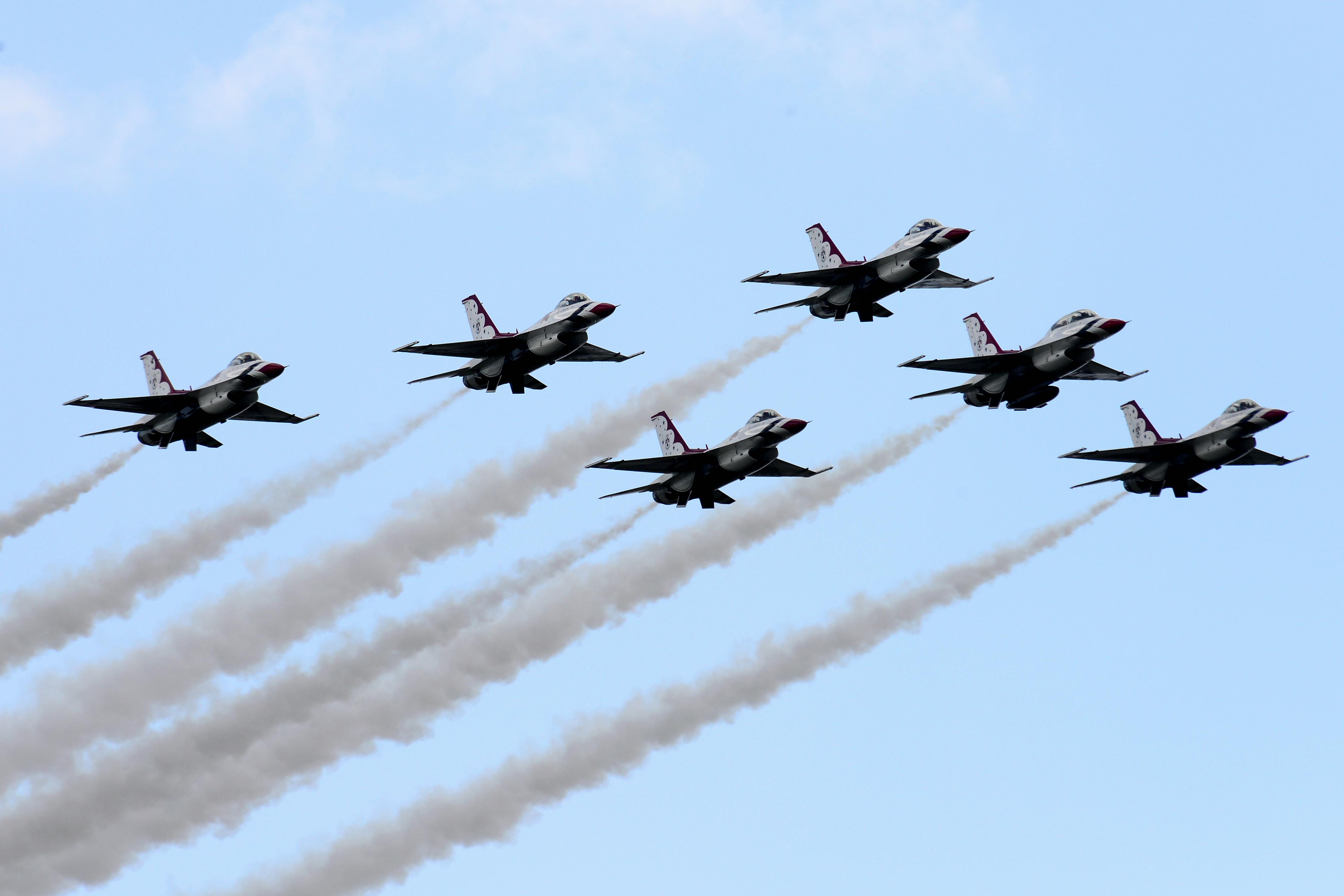 Thunderbirds Blue Angels flyover