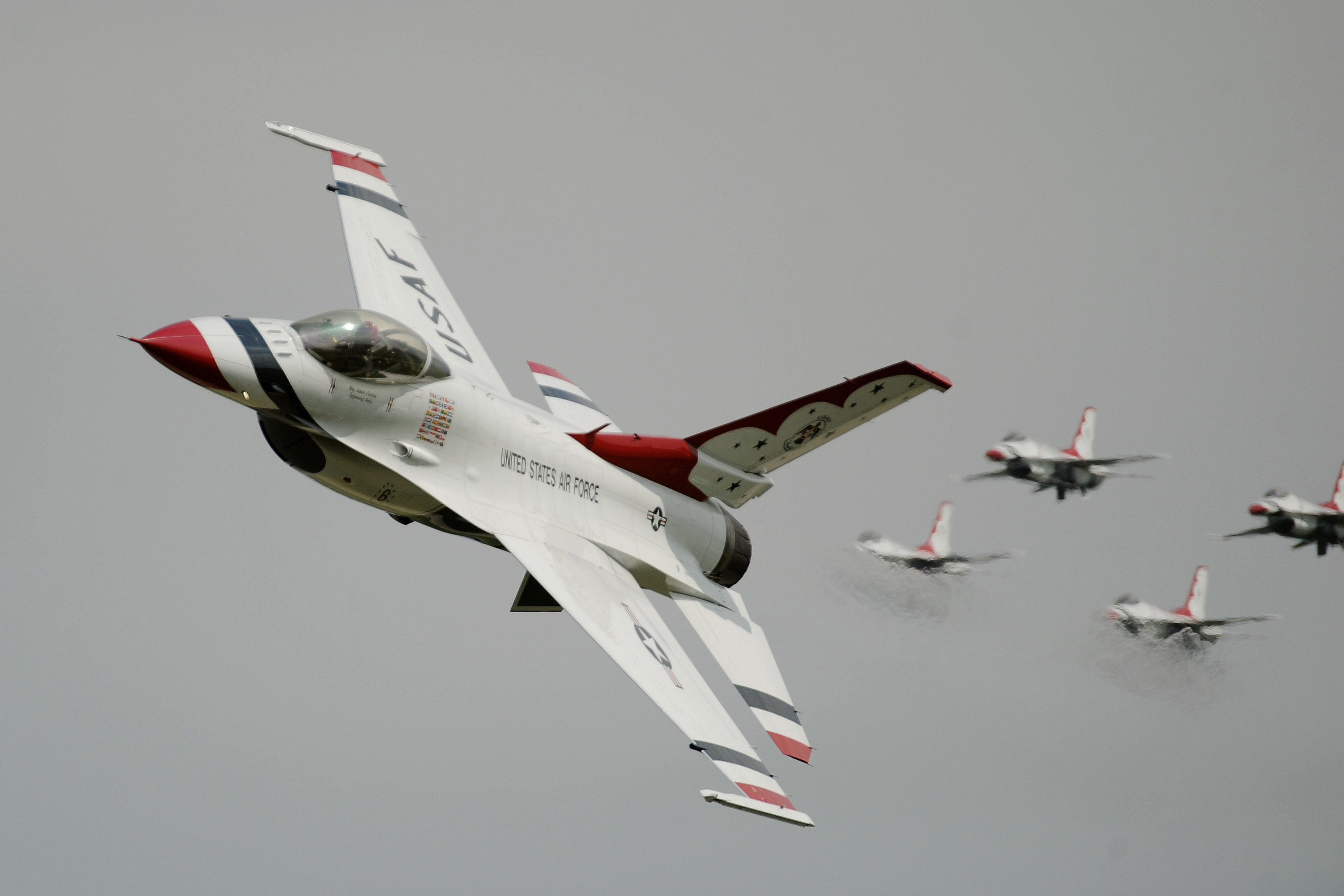 Thunderbirds planes flyover, will be with Blue Angels